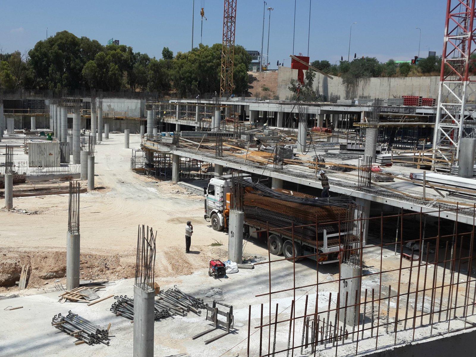 Globus City Kfar-Saba - chemical anchor resin CT50Pro