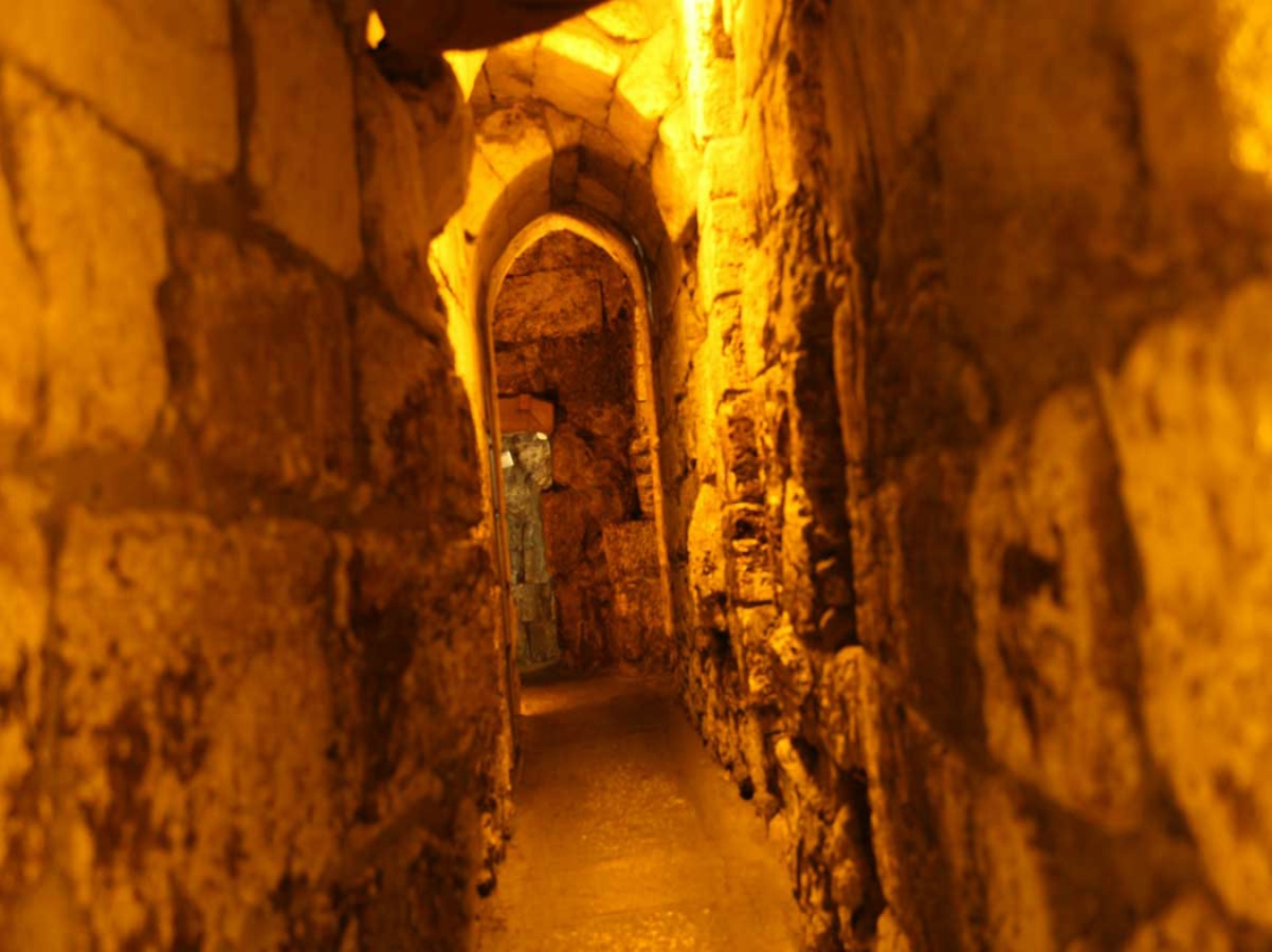 Western Wall Tunnel - reinforcement of stone with chemical anchor AC100Pro