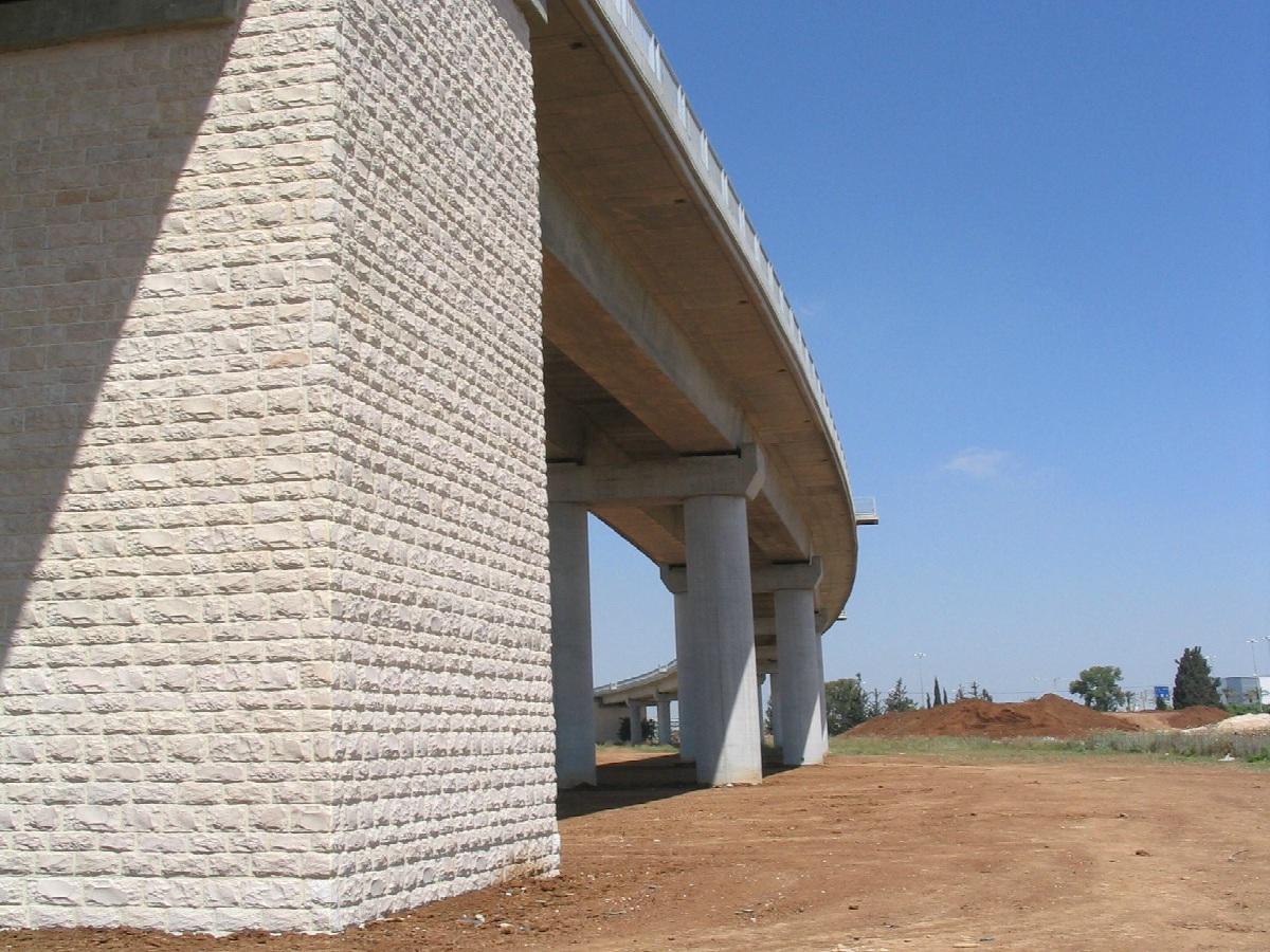 Bridge Ben-Gurion Airport - concrete screw PSZ